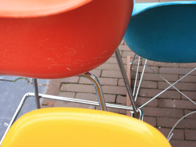 vintage chairs on keizersgracht