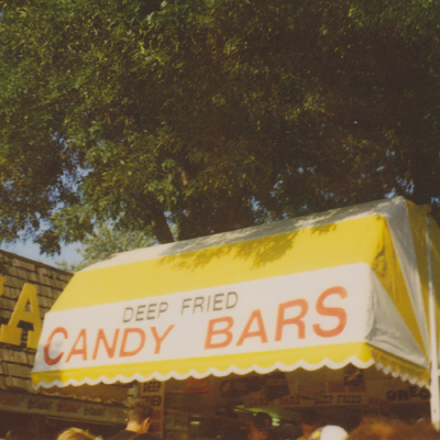 yes! deep fried candy bars. makes my teef hurt thinking about them...
