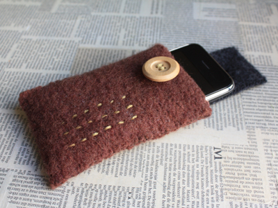 felted iphone cozy 
